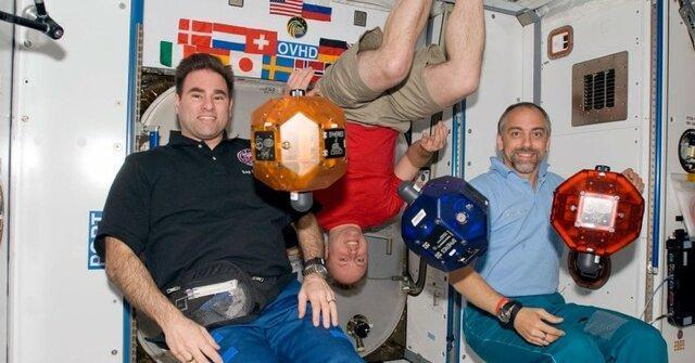 مسافران سفر لاکچری به فضا را بشناسید