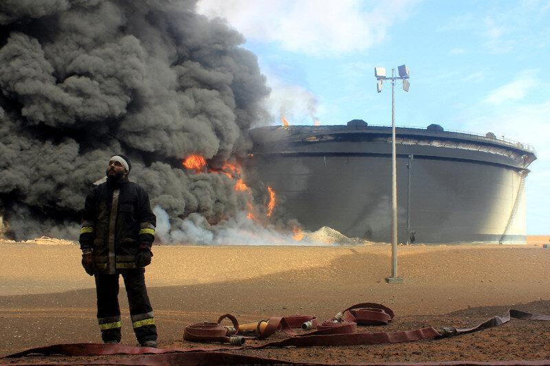 خلیفه حفتر به جنگ نفت روی می آورد