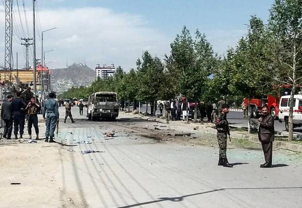 رد خون در افغانستان همچنان جاری ست، انفجار اتوبوس 25 نفر را به کام مرگ برد